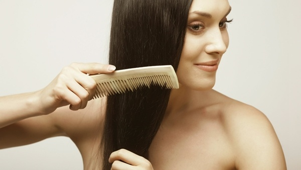 4 mẹo nhỏ giúp bạn xử lý nhanh da đầu nhờn, tóc bết khó chịu