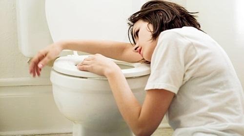 Tác hại của việc móc họng để giảm cân 1