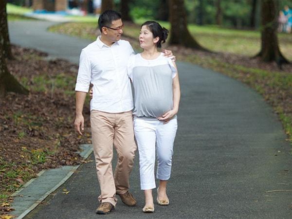 Tư thế giảm đau giúp mẹ bầu chuyển dạ nhanh