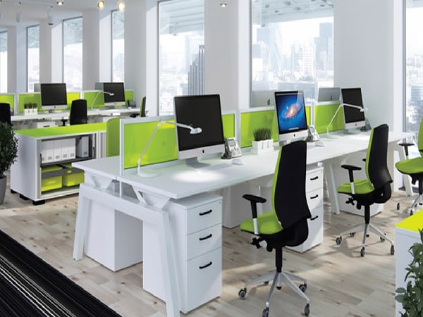 khoảng cách từ ghế đến bàn làm việc
