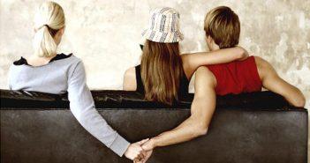 Phải làm thế nào khi chồng ngoại tình với người yêu cũ?