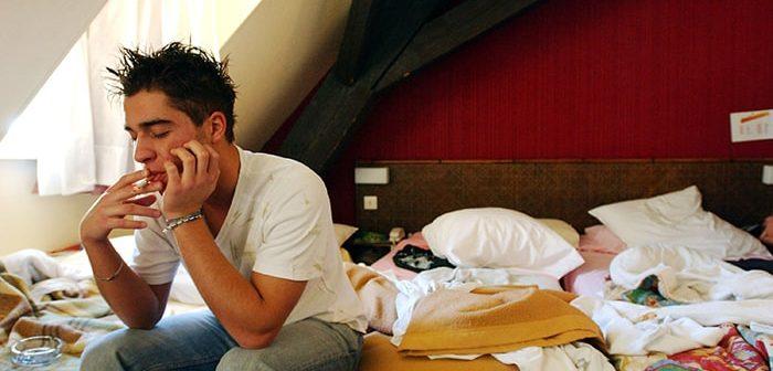 Vì sao bỏ thuốc lá gây mất ngủ?