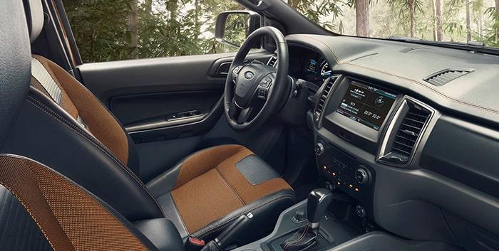 Nội thất bên trong Ford Ranger vô cùng sang trọng, tiện nghi