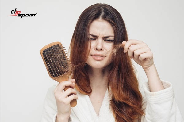 Da khô, tóc rụng là dấu hiệu của bệnh suy nhược thần kinh tim